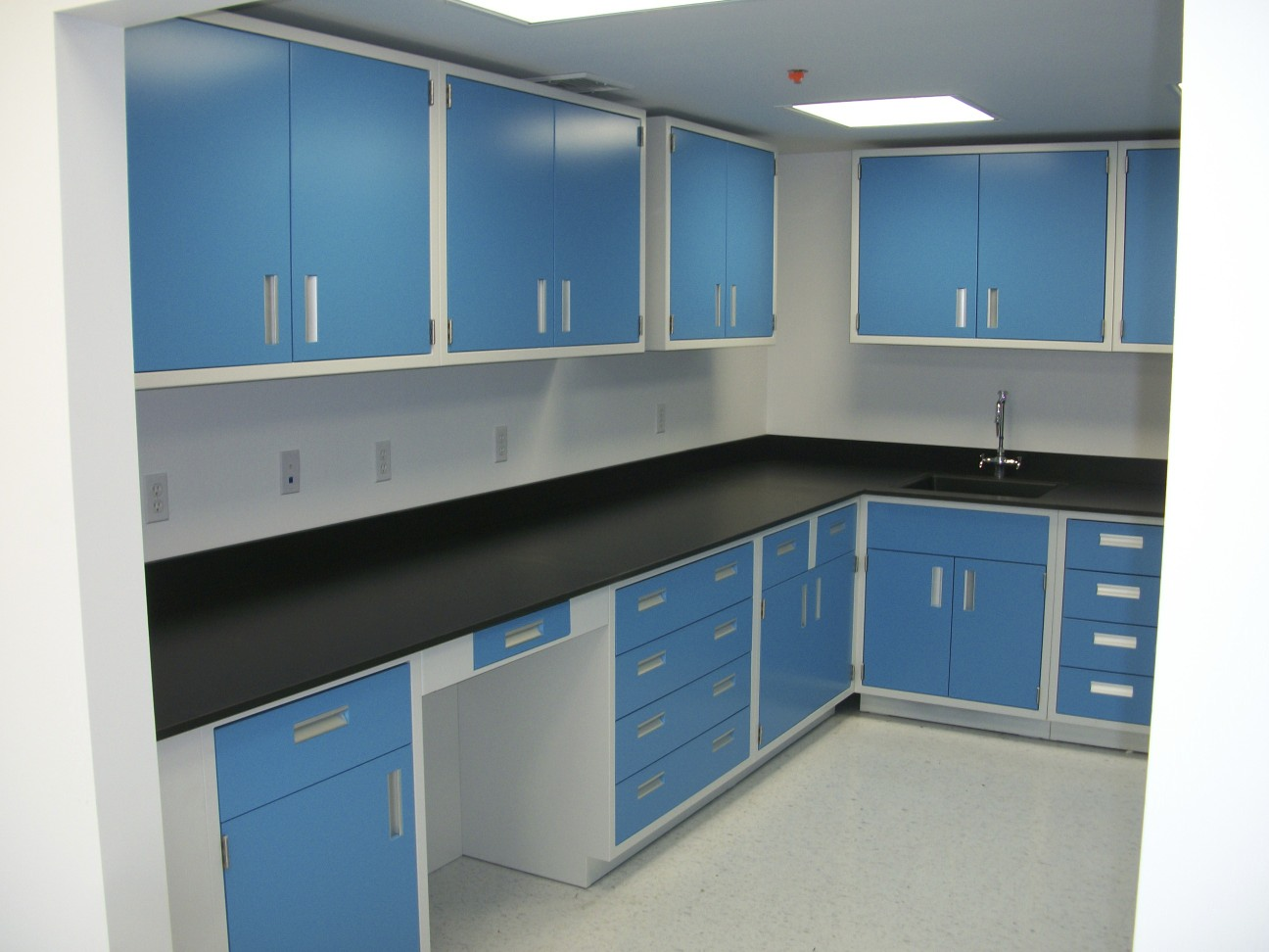 Dulapuri de laborator din PP 2