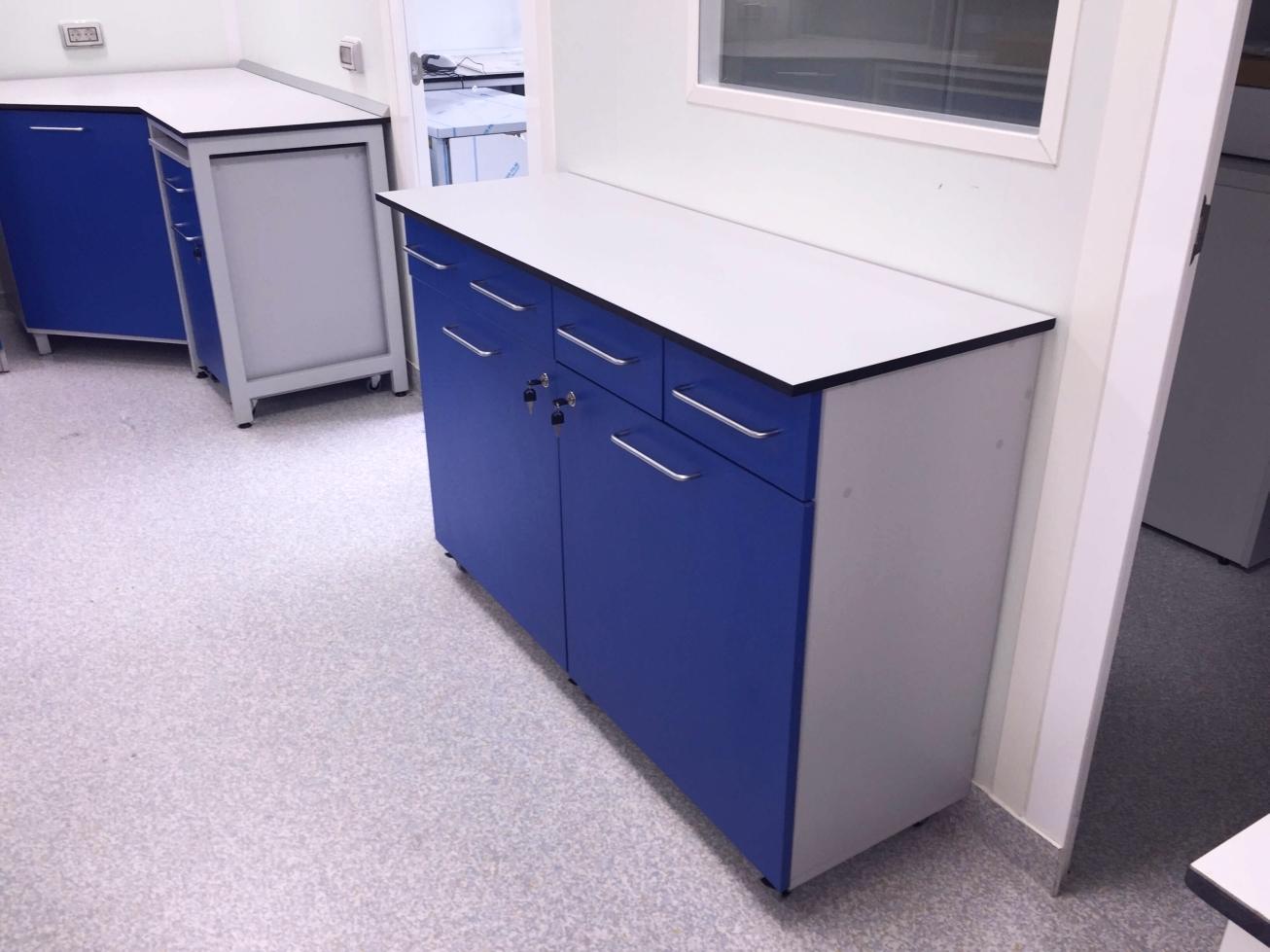 Mobilier_de_spital_laborator_306